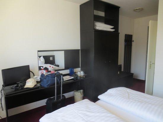 Hotel Zentrum: Room