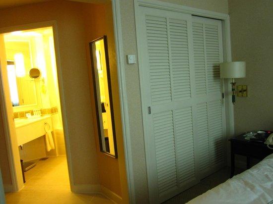Swissotel Merchant Court Singapore: Room 409
