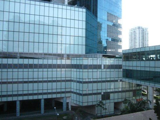 Swissotel Merchant Court Singapore: View Cenral shopping centre