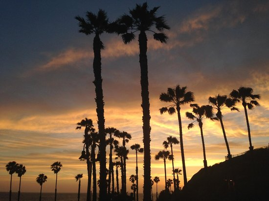 Holiday Inn San Clemente: The sunset from the front of the hotel on the night of our stay