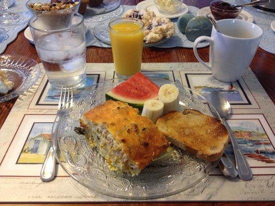 Evening Sail B&B: Scrumptious breakfast