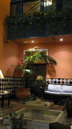Suites Gran Via 44: Hotel Gran via 44