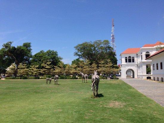 Muzium Sultan Abu Bakar: Nice green outdoor