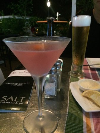 Salt Seafood Bar and Grill: Cosmo