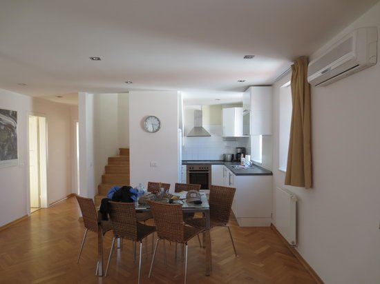 Residence Karlova - Prague City Apartments: Dining and Kitchen area