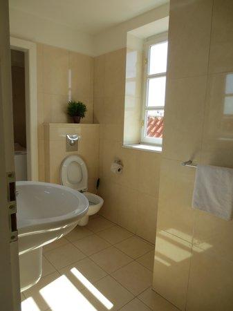 Residence Karlova - Prague City Apartments: Half bath with washing machine
