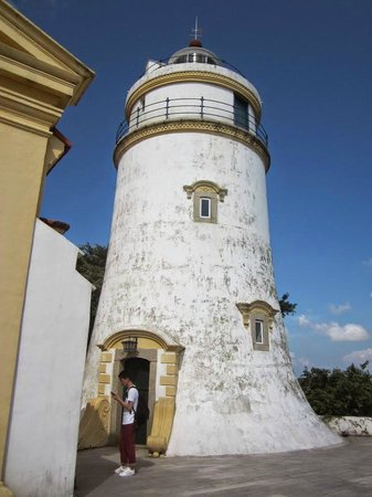 Guia Fortress: Close up view of the lighthouse