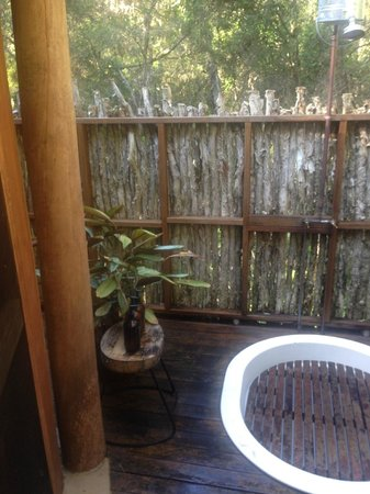 Paperbark Camp: Outdoor shower