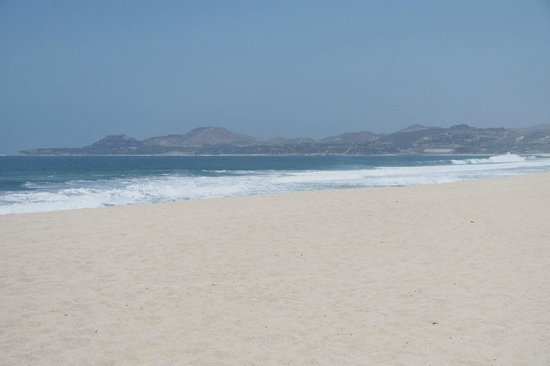 Cabo Azul Resort: View of Cabo San Lucas from beach access of the resort