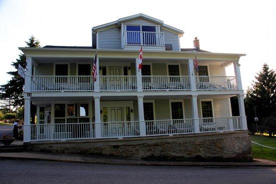 South Landing Inn: The main Inn