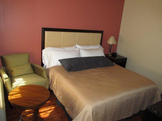 "Matterhorn Motel : Our King size rooms include 48"" flat screen TVs"