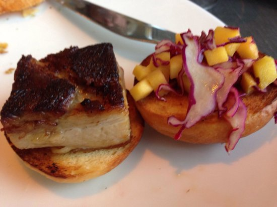 15th & Vine Kitchen and Bar: AWESOME Pork Belly Sliders