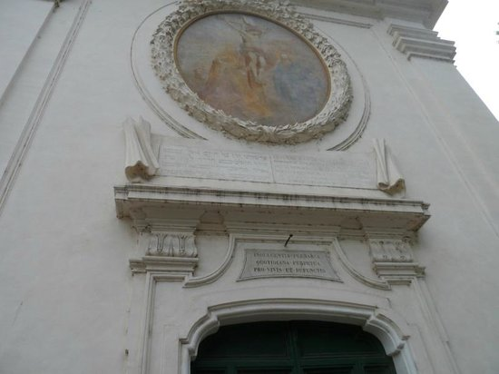 Jewish Roma Private Walking Tours : Church in Jewish Quarter