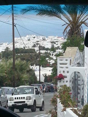Ilio Maris Hotel: callejuelas que llevan a la costa
