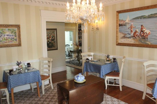Captain Farris House Bed & Breakfast : Dining Area