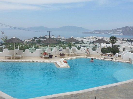 Ilio Maris Hotel: la zona de la piscina