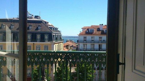 Passport Lisbon Hostel: Room view 2