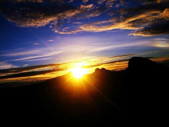 Mount Kinabalu: sunrise @ KK
