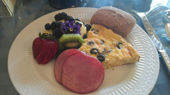 Captain Farris House Bed & Breakfast : Great home cooking