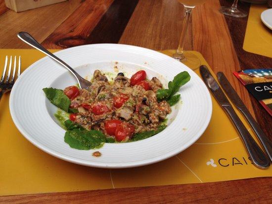 Cais: Salada cremosa com cogumelos e mostarda