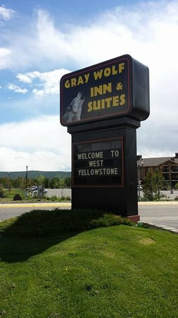 The first picture I took upon arrival of the Gray Wolf Inn and Suites