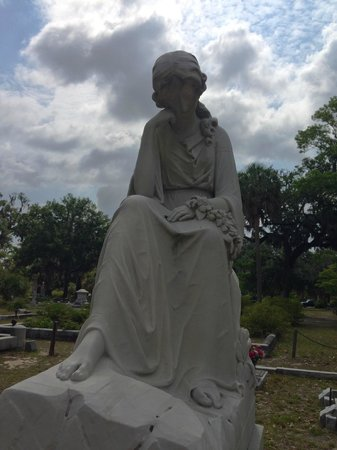 Bonaventure Cemetery Tours: one of many such beautiful images