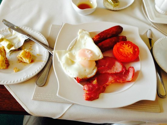Bunratty Villa: Our delicious Irish breakfast (with out the black or white pudding)
