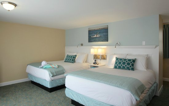 Cape Colony Inn : Double Queen Beds
