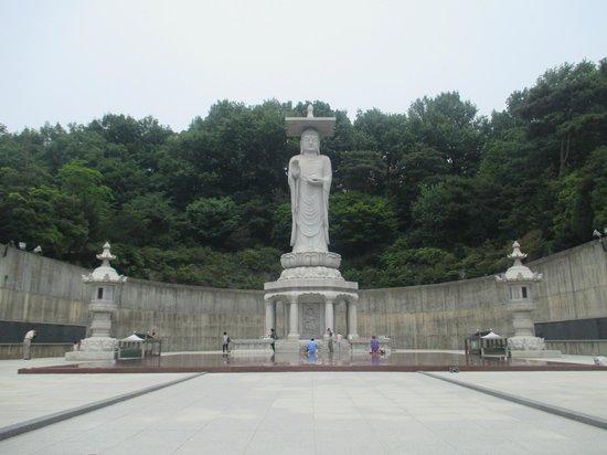 Bongeunsa Temple : Statue
