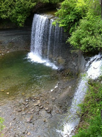 Bridal Veil Falls: BV Falls from the top of the stairs