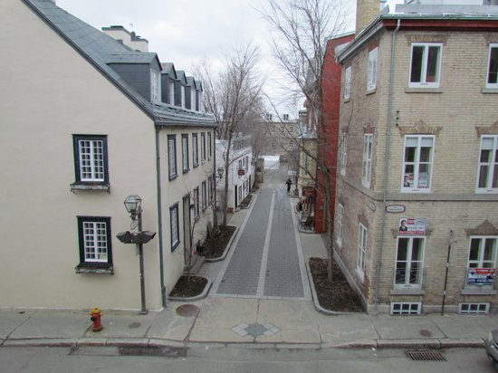 Hotel l'Ermitage : View across the street from balcony