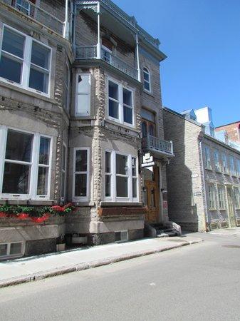 Hotel L'Ermitage 2nd floor, above front door is room 350