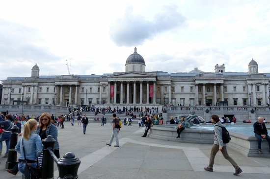 Galería Nacional: National Gallery seen from Trafalgar Square