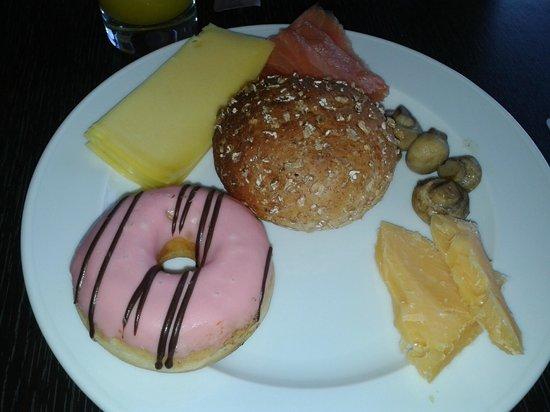 DoubleTree by Hilton Hotel Amsterdam Centraal Station: mais detalhes do café da manhã