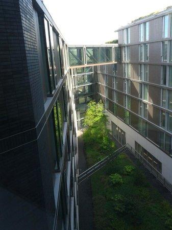 DoubleTree by Hilton Hotel Amsterdam Centraal Station: vista do Jardim