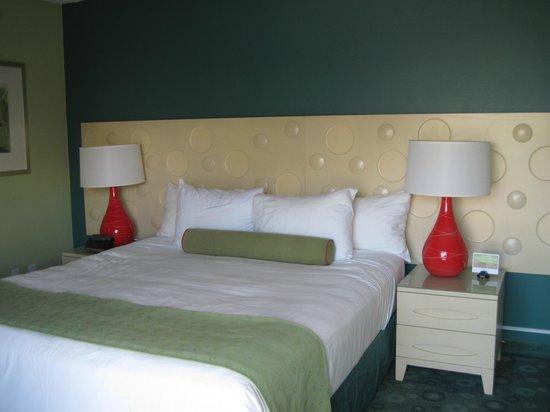 Coconut Waikiki Hotel: Our room