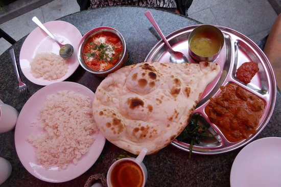Lhasa Namaste Resaurant: Yak Curry and Butter Chicken