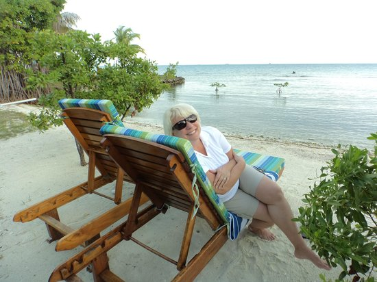 Hatchet Caye Resort: Happy, Happy, Happy