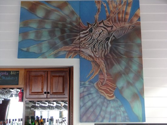 Hatchet Caye Resort: Restaraunt's namesake - Lionfish