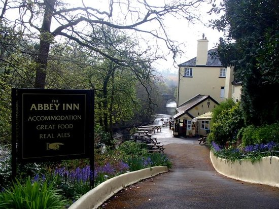 Abbey Inn : Hotel and Grounds