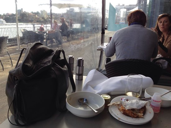 Pier One Sydney Harbour, Autograph Collection : Breakfast buffet was crowded, but nice view