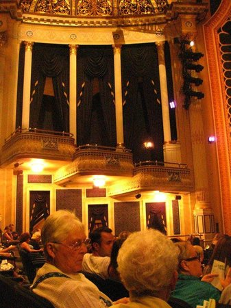 Ed Mirvish Theatre: Nice theatre