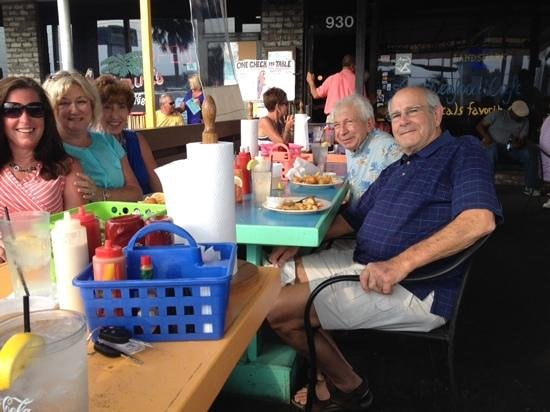 Bimini's Oyster Bar and Seafood Cafe : great food and met new friends!