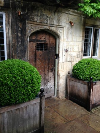 Old Parsonage Hotel: Front door of the Old Parsonage