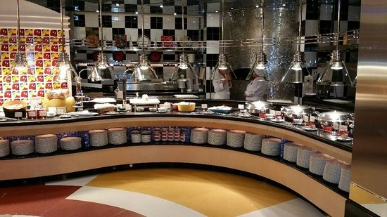 Disney's Hollywood Hotel : Decent Dinner Buffet at Chef Mickey