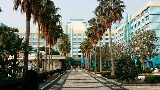 Disney's Hollywood Hotel : Main Hotel Building