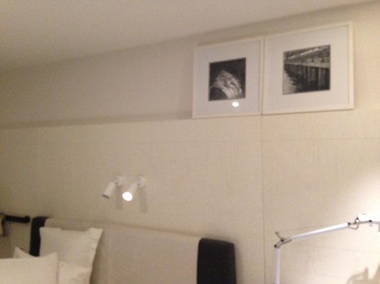 Pier One Sydney Harbour, Autograph Collection: First room, generic - why not use picture hooks?