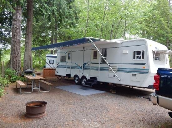 Harmony Lakeside RV Park: very private and large RV spots