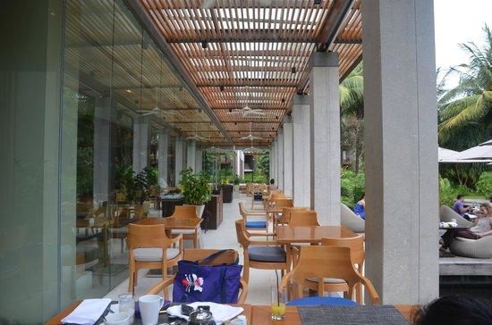 Renaissance Phuket Resort & Spa: Loca Vore - the breakfast venue