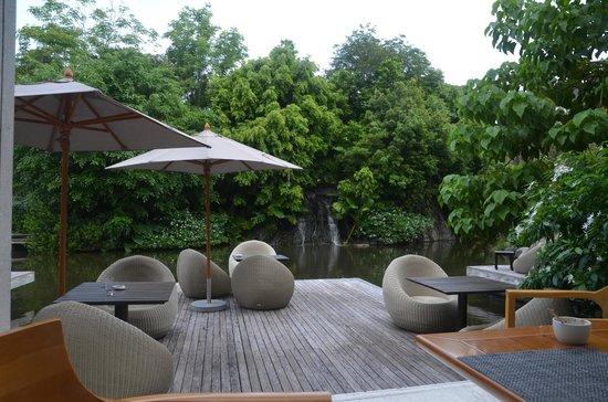Renaissance Phuket Resort & Spa: Seating area outside Loca Vore